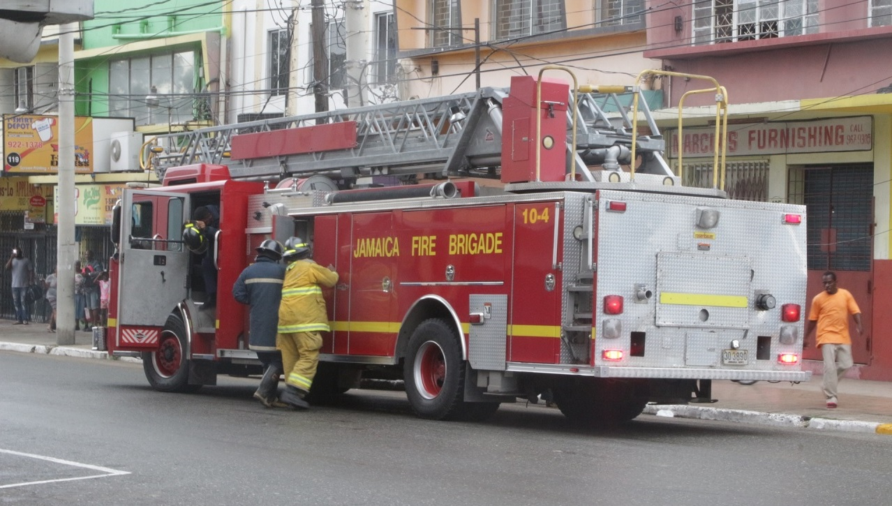 File photo of a Jamaica Fire Brigade unit responding to an emergency call.
