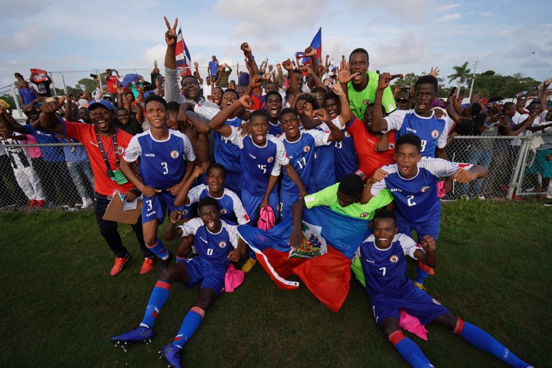 Les petits Grenadiers après leur qualification pour la coupe du monde. Photo : FIFA