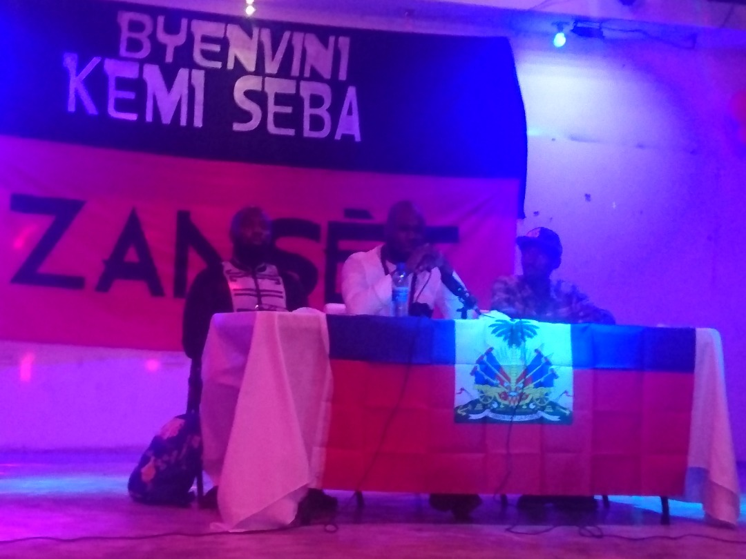 Kemi Seba intervenant à jacmel