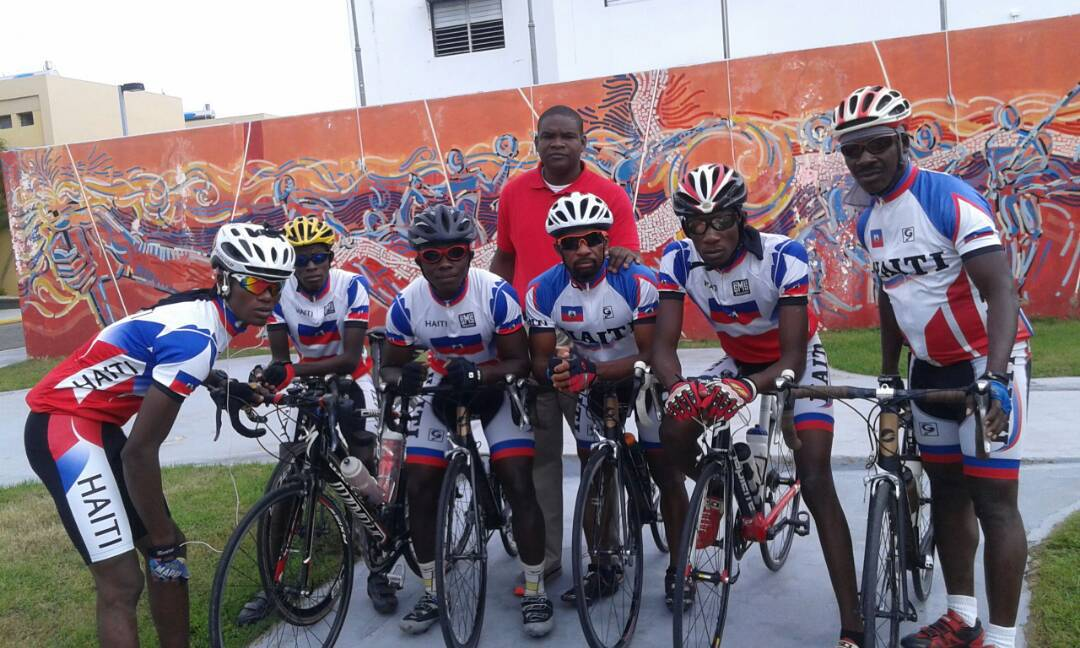 Photo : Groupe de Cyclistes haïtiens - Crédit Photo : Ferisports