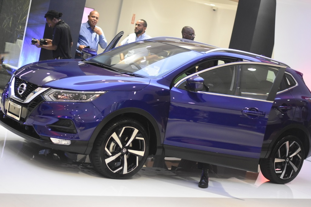 Fidelity motors, on Wednesday, unveiled its spanking new Nissan Global Standard Showroom, the new showroom, which will house new Qash Qai, X Trail, Frontier, 300 ZX, Silvia, Skyline and other brands of Nissan vehicles.(Photo: Marlon Reid)