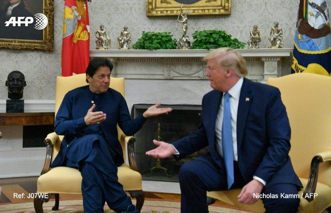 Le président américain Donald Trump (d) reçoit le Premier ministre pakistanais Imran Khan à la Maison Blanche, le 22 juillet 2019 à Washington ((c) Afp)