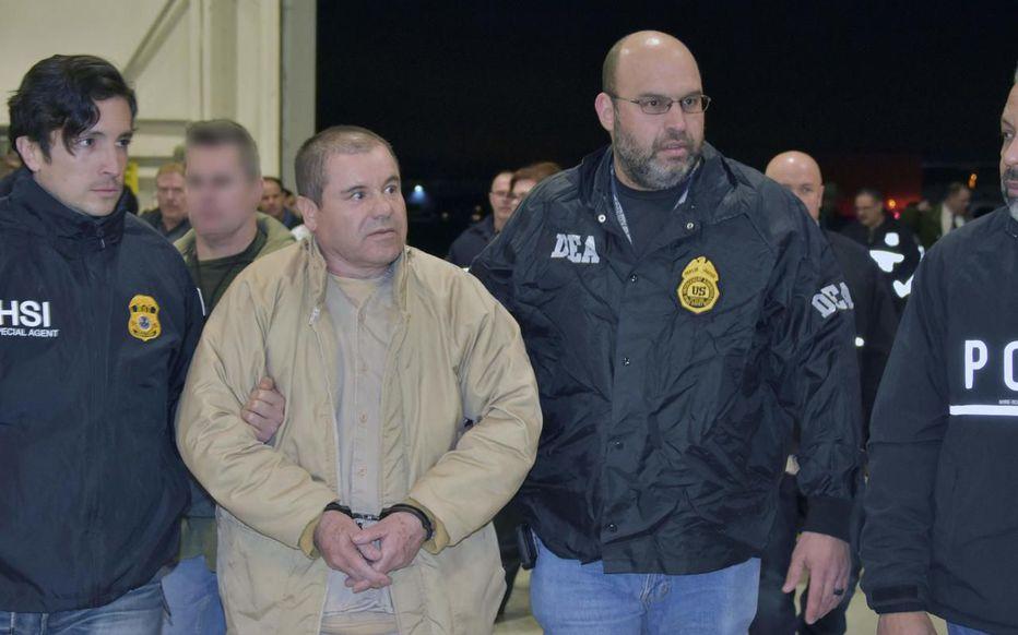 """Le narcotrafiquant mexicain Joaquin """"El Chapo"""" Guzman lors de son extradition aux Etats-Unis en 2017"""