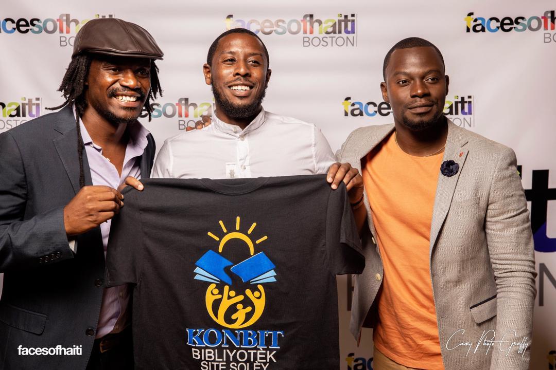 Sur cette photo,  Louino Robillard (gauche), co-initiateur du KBSS et Samuel Daméus (droite), initiateur de Faces of Haiti
