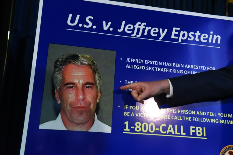 """Washington dénonce de """"graves irrégularités"""" dans la prison où était détenu Jeffrey Epstein"""