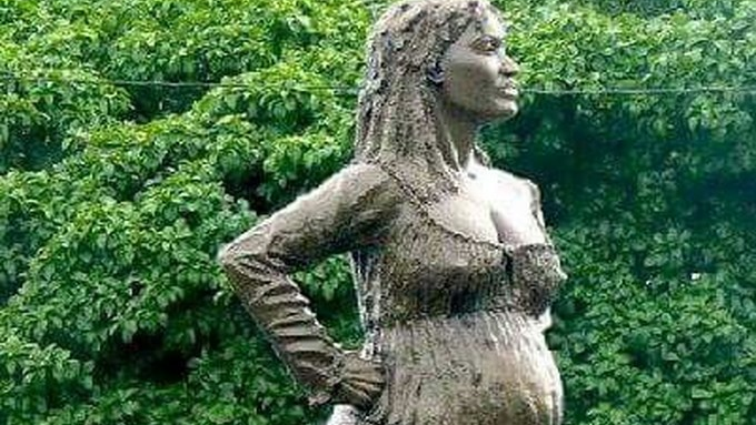A statue of Solitude, the pregnant maroon who fought for freedom, stands in Guadeloupe.