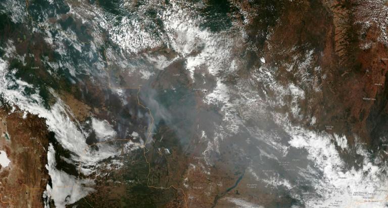Image satellite transmise par la NOAA (agence Nationale de l'administration atmosphérique et océanique) montrant les fumées des feux en Amazonie, le 21 août 2019