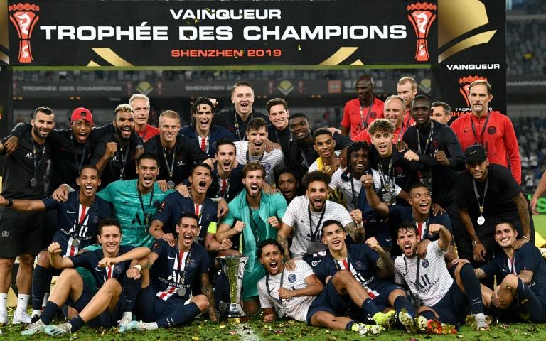 Les joueurs du PSG célèbrent la victoire face à Rennes 2-1 lors du Trophée des champions à Shenzhen le 3 août 2019