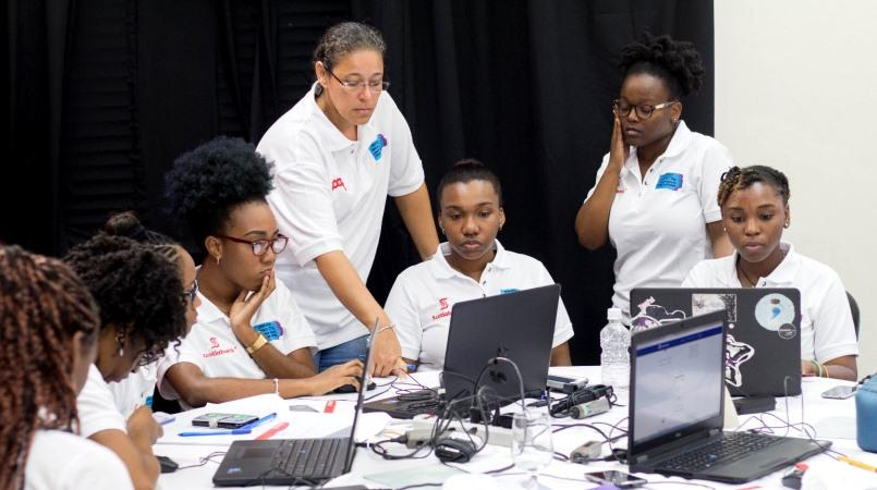 (Image: Girls at last year's hackathon)
