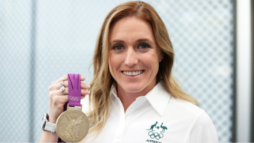Sally Pearson with her 2012 Olympic gold medal.