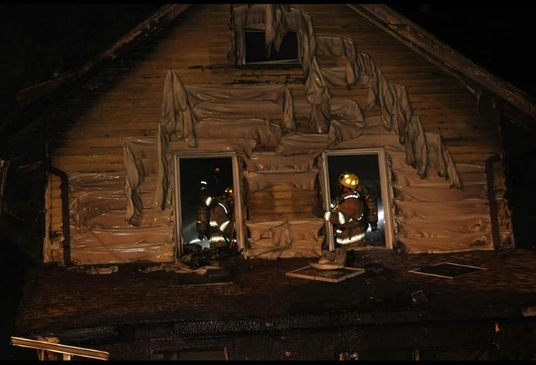 Des pompiers sur le site d'un incendie dans une crèche en Pennsylvanie, le 11 août 2019 afp.com - Scooter Blakely