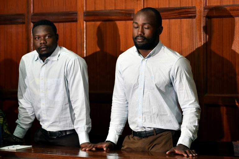 Les deux internationaux kényans de rugby à VII, Alex Olaba (g) et Frank Wanyama, durant leur procès à Nairobi, le 16 août 2019