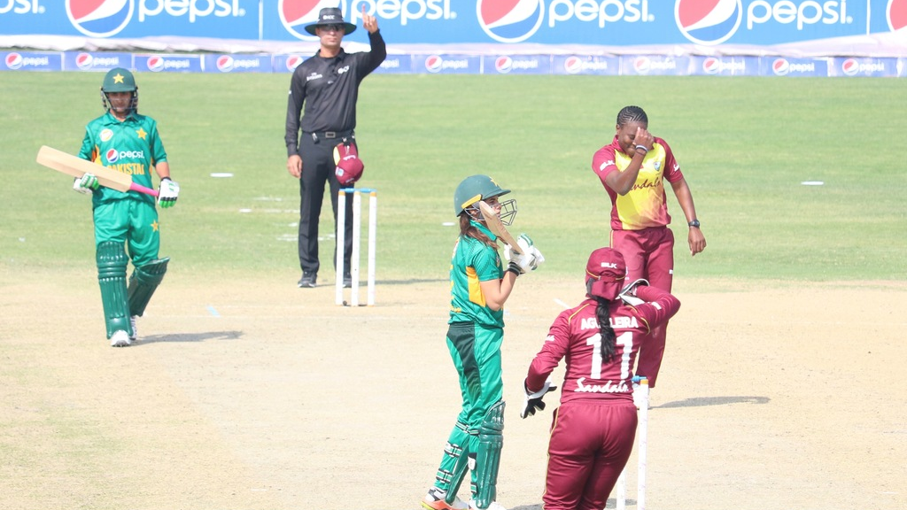Shakera Selman appeals to the Umpire for LBW of Aiman Anwer (10th Pakistan wicket).  Photo credit: CWI Media.
