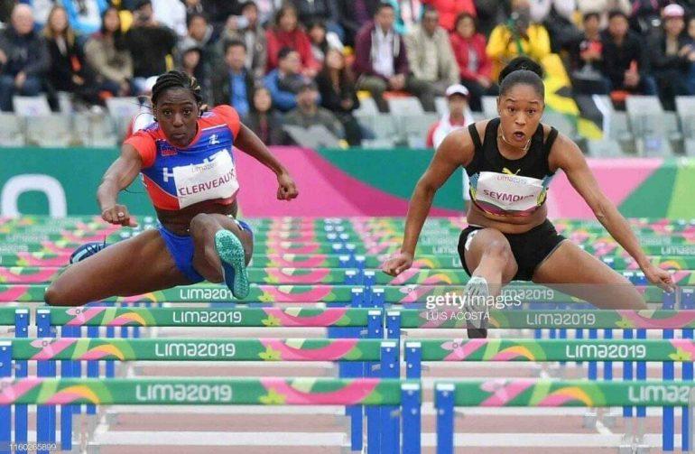 Vanessa Clerveaux sur la gauche en pleine course. Photo : Haiti Tempo