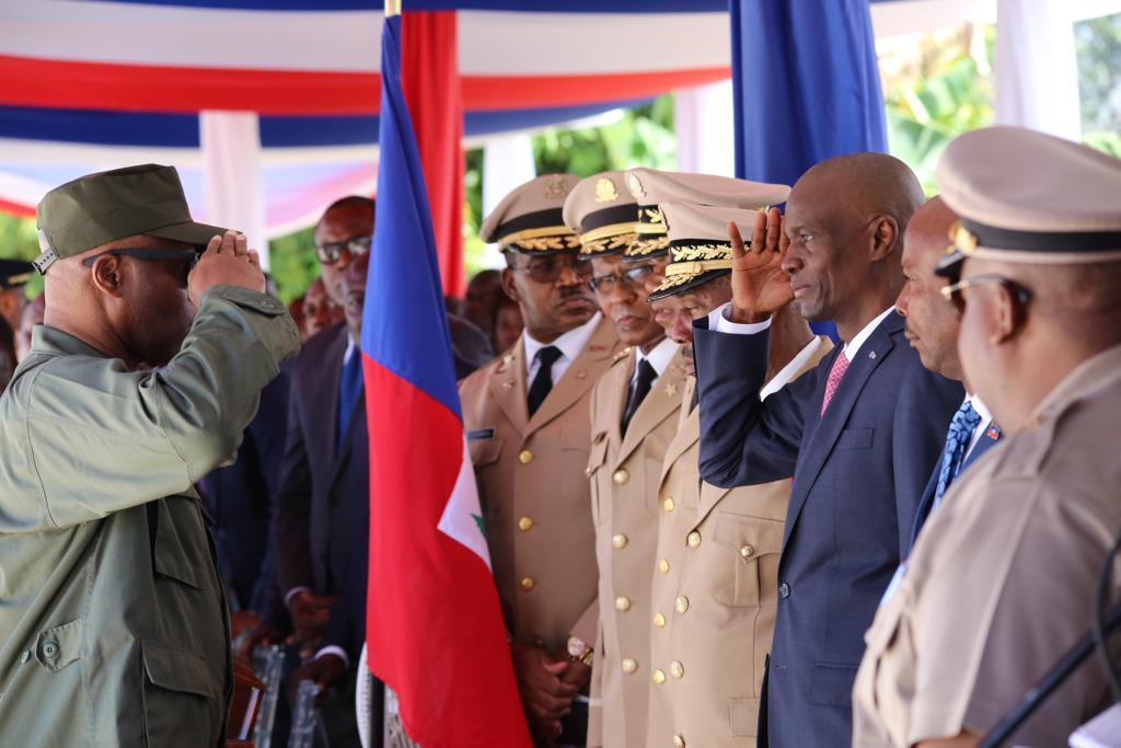 Le président Jovenel Moïse participant à la graduation d'unbataillon de 250 soldats, 50 aspirants sous-officiers et 19 officiers des Forces Armées d'Haïti (FAD'H) à Léogâne/ Photo: La Présidence