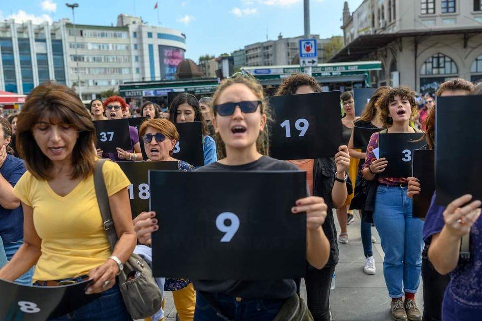 Turquie: manifestation contre les violences faites aux femmes. Photo : AFP