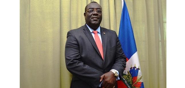 Le ministre haïtien des affaires étrangères, Bocchit Edmond