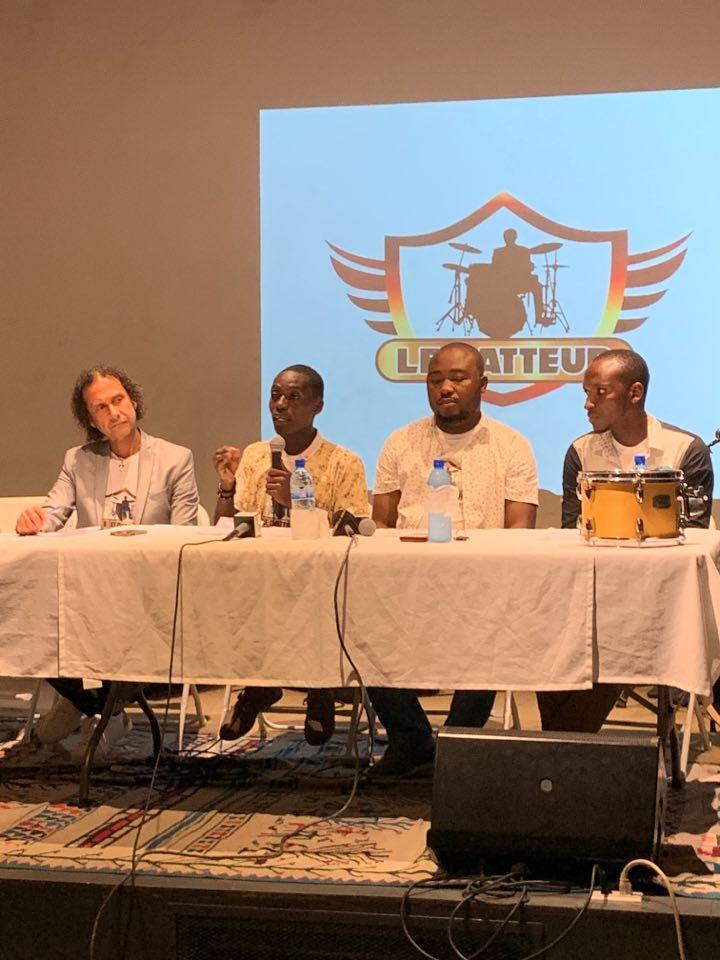"""Organisateurs et membres du jury du concours """"Le Batteur"""", lancé hier mercredi 4 août, au local du restaurant Vivano, à Pétion-Ville./Photo: Miléna S. Widmaier."""