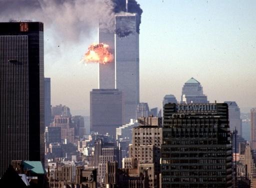 Les tours du World Trade Center frappées par des avions, le 11 septembre 2001 à New York © AFP/Archives / SETH MCALLISTER