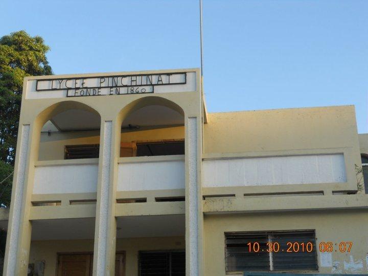 Le lycée Pinchinat de la ville de Jacmel.