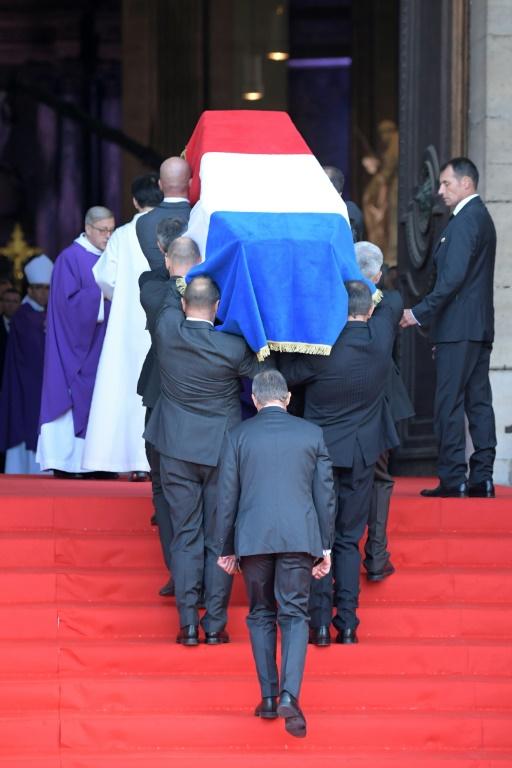 Entrée du cercueil de Jacques Chirac à l'église Saint-Sulpice le 30 septembre 2019