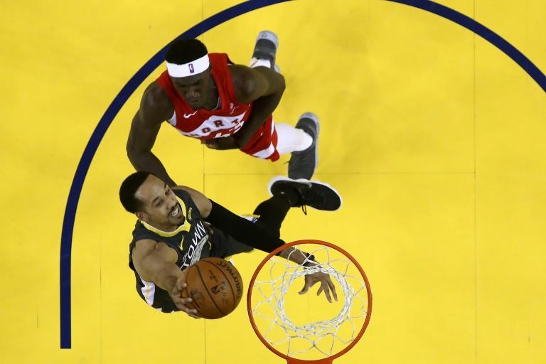 Le joueur des Golden State Warriors avec le ballon lors du match face aux Toronto Raptors à Oakland le 14 juin 2019