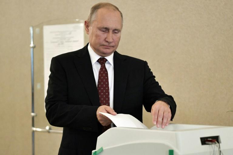 Le président russe Vladimir Poutine vote à Moscou le 8 septembre 2019