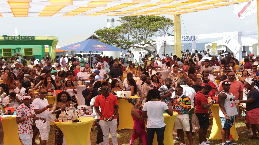 Patrons enjoying the vibe at the Daybreak party during the Great Weekend.