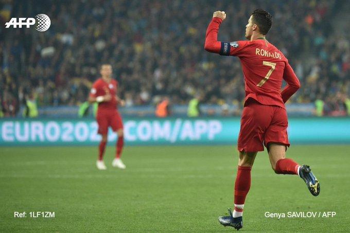700 buts pour Cristiano Ronaldo toutes compétitions confondues, après celui inscrit sur penalty face aux Ukrainiens.