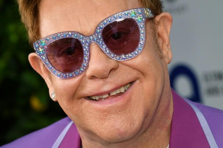 Elton John à un gala de sa fondation de lutte contre le sida à Antibes le 24 juillet 2019