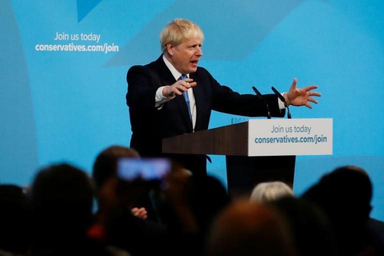 Boris Johnson à la tribune au siège du Parti conservateur britannique après la proclamation de sa victoire à la tête du parti, le 23 juillet 2019 à Londres