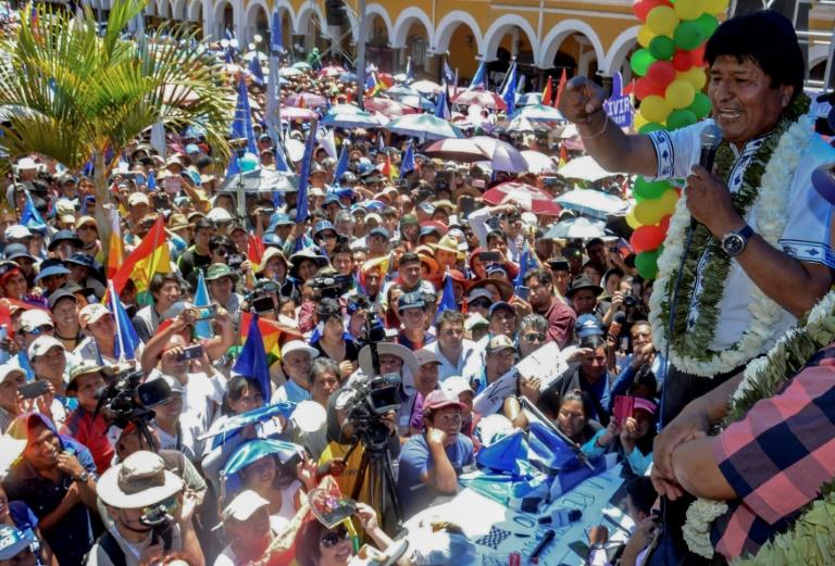 El presidente de Bolivia, Evo Morales, se dirige a sus seguidores el 24 de octubre de 2019 en Cochabamba