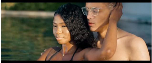 """Capture d'écran du clip """"Ti Seu w Fèm Fou"""" de Yani Martelly"""