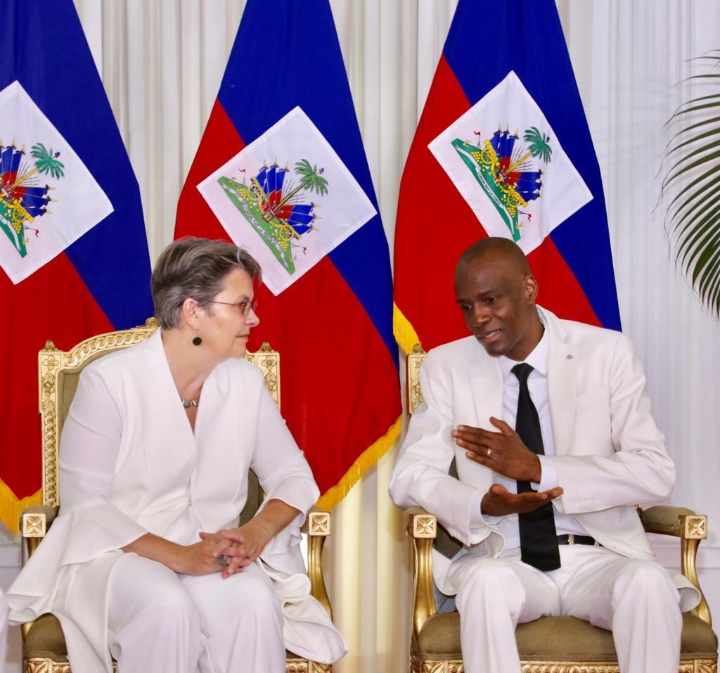 La nouvelle Ambassadeur de l'union Européenne en Haïti et le président Jovenel Moise