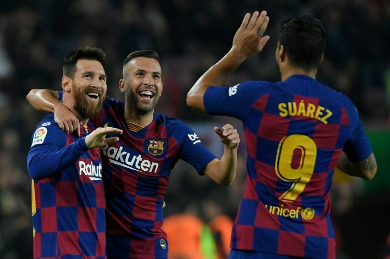 Lionel Messi fête un but avec ses coéquipiers Jordi Alba et Luis Suarez face à Valladolid, le 29 octobre 2019 au Camp Nou