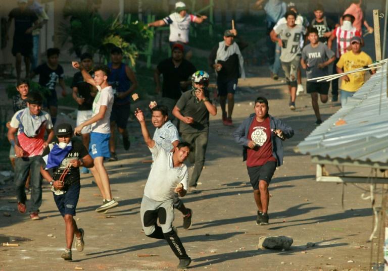 Affrontements entre partisans et détracteurs du président socialiste bolivien Evo Morales, le 23 octobre 2019 à Santa Cruz