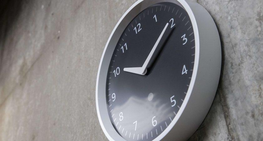 Dimanche 3 novembre prochain, à 2h du matin, l'heure locale sera reculée d'une heure (de 60 minutes).