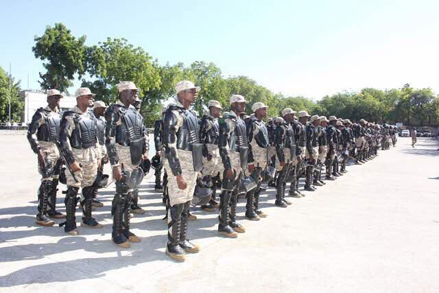 La 10éme promotion de CIMO présentée officiellement vendredi 13 décembre 2017. Photo: Facebook/Police Nationale d'Haiti-PNH