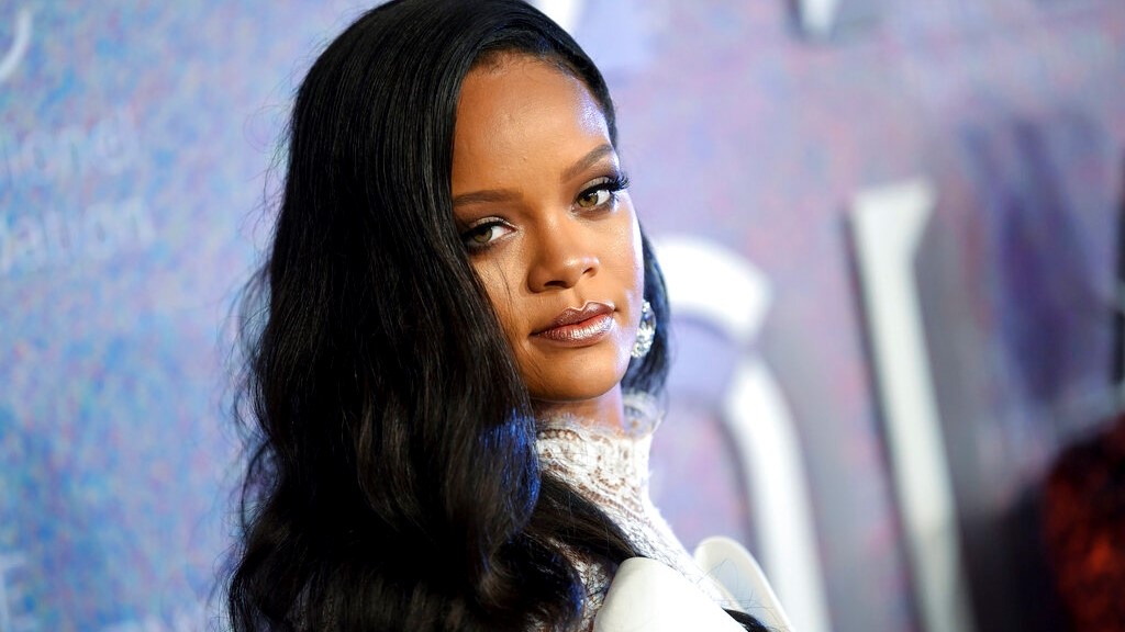 Rihanna announces release of visual autobiographical book
