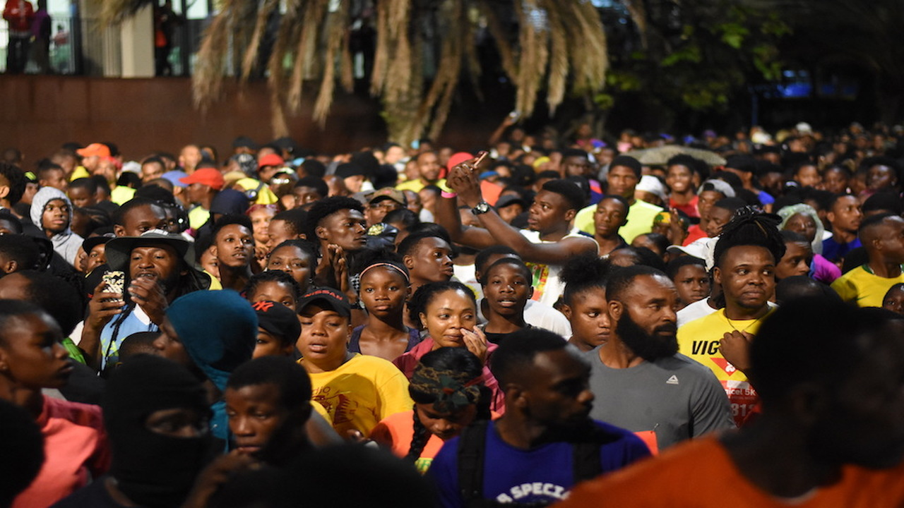 Digicel 5k participants gather at the starting line ahead of the race. (PHOTOS: Marlon Reid)