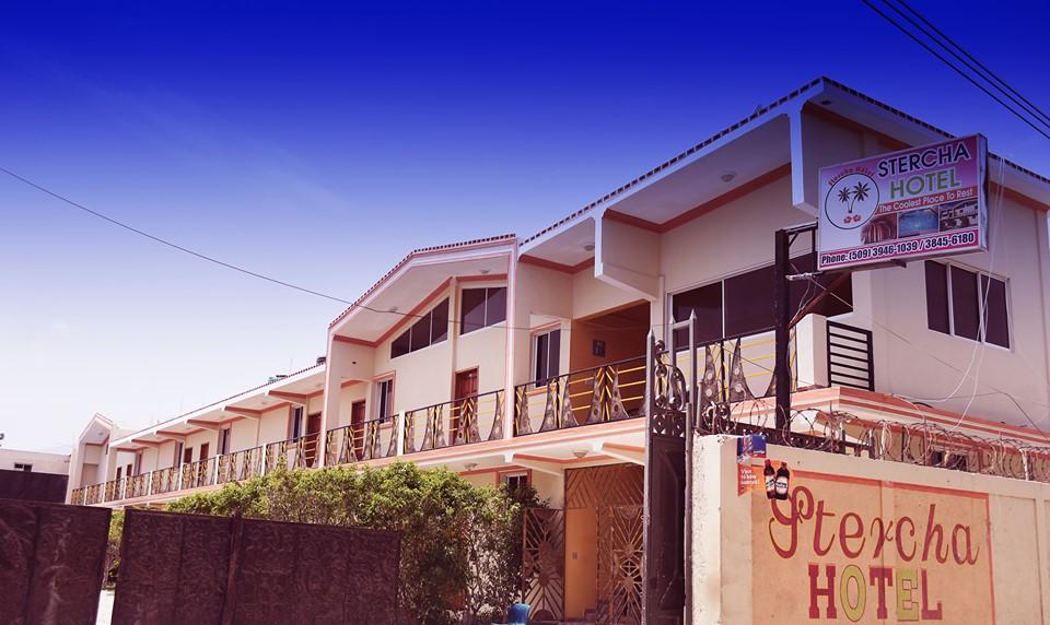 Une vue complète de Stercha Hôtel. Crédit Photo: Stercha Hôtel/Facebook