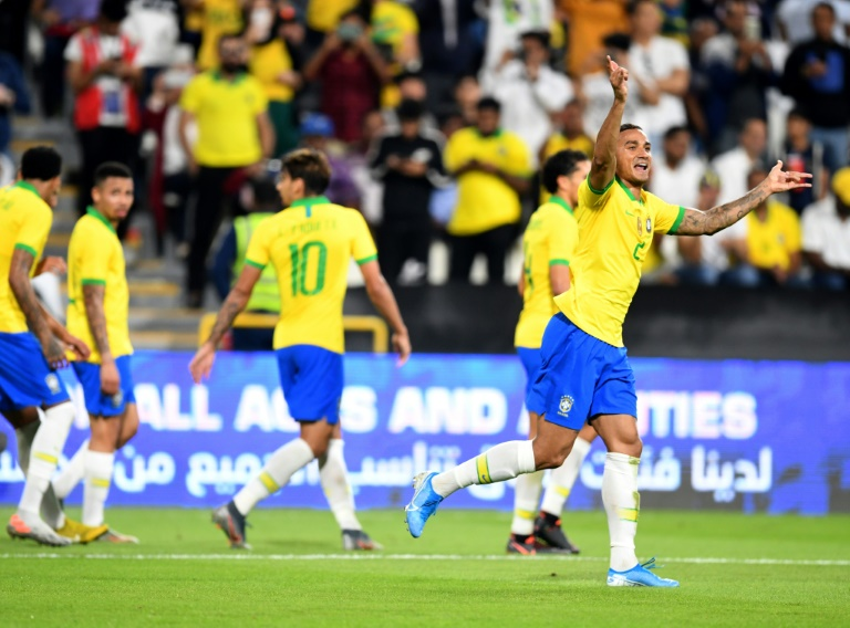 La joie du latéral droit Danilo après avoir marqué le 3e but du Brésil face à la Corée du Sud à Abou Dhabi, le 19 novembre 2019