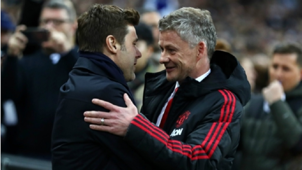 Ole Gunnar Solskjaer (right) with former Tottenham boss Mauricio Pochettino.