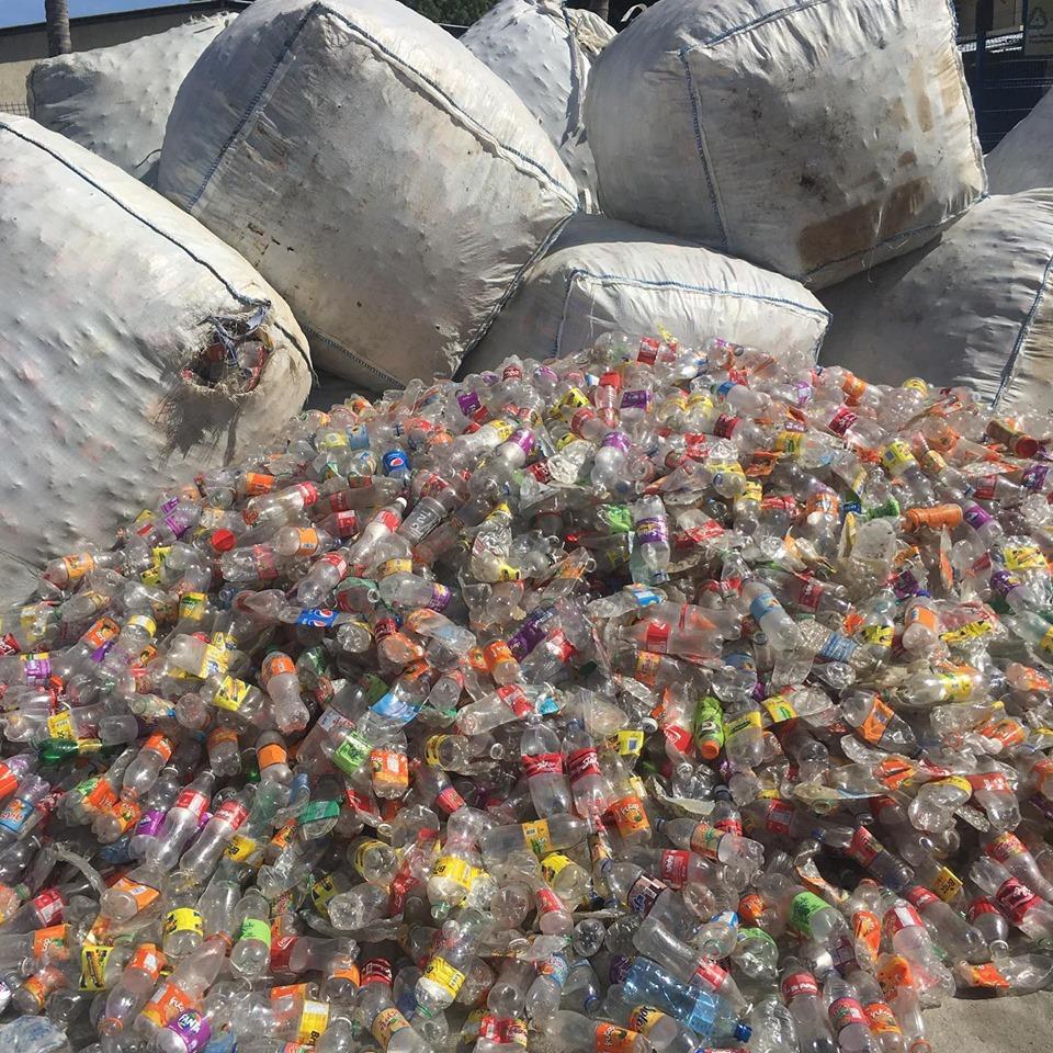 Photo de plastique qui sera destiné au recyclage Crédit Photo : ECSSA (compte Facebook)