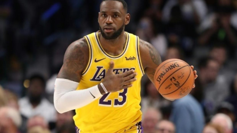NBA: LeBron voit triple et les Lakers renversent Chicago. Photo : AFP