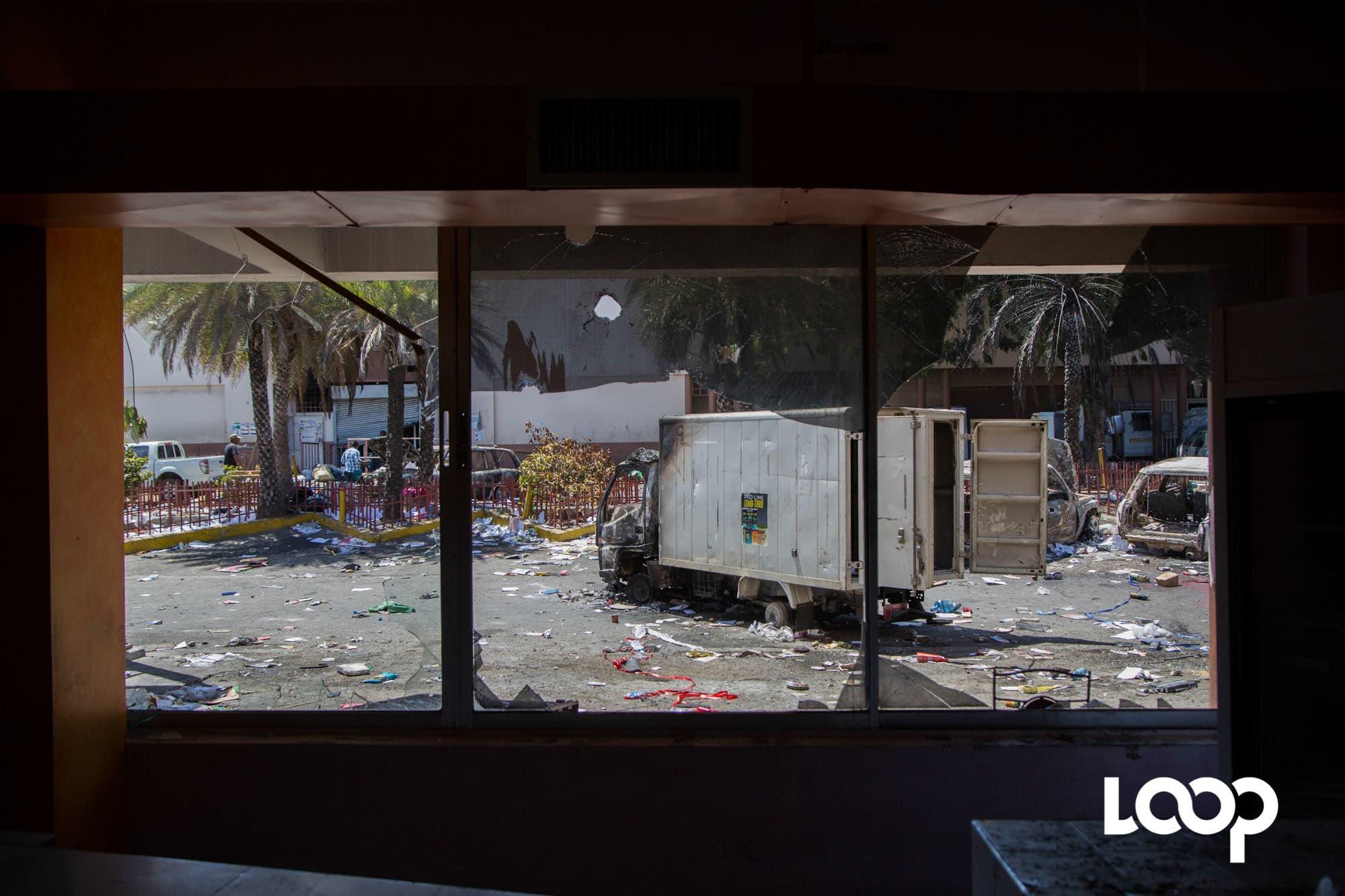 Scènes de pillage et incendie des 6 et 7 juillet 2018. Photo: Estailove St-val/ Loop Haiti