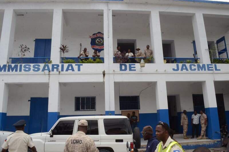 Les quatre individus armés appréhendés par les forces de l'ordre, sont actuellement au commissariat de Jacmel.