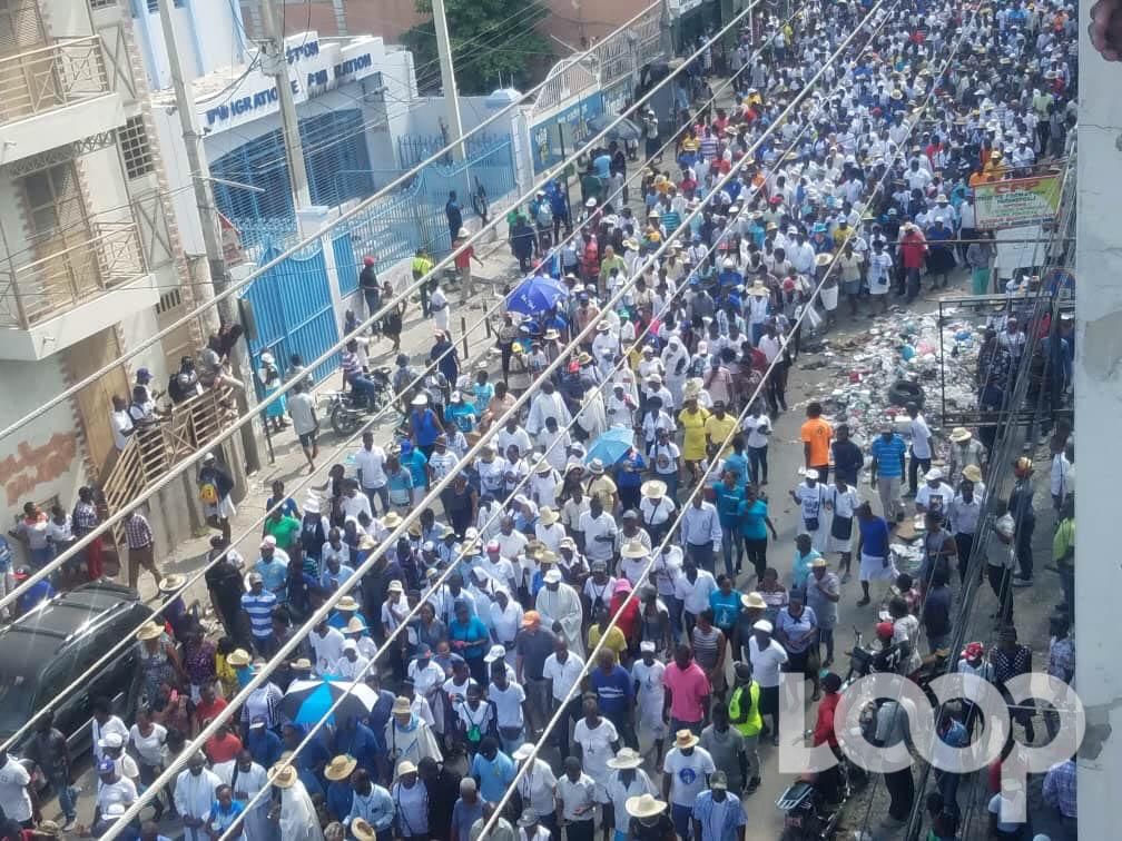 Des religieux catholiques en démonstration de force à Port-au-Prince, capitale d'Haïti, pour exiger la démission du président Jovenel Moise. Crédit photo: Loop Haïti