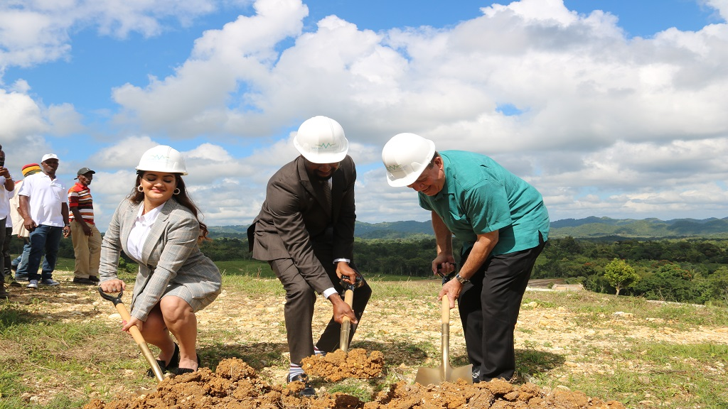 Left to right, Farrah Zargaran, COO and co-founder of Virtudes Company; Jamiel Jamieson, co-founder and CEO, Virtudes Company; and Industry, Commerce, Agriculture and Fisheries Minister, Audley Shaw, prepare to break ground for a hemp farm in Westmoreland on Thursday.