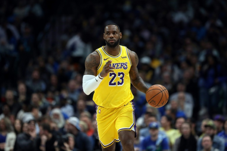 LeBron James des Los Angeles Lakers face aux Dallas Mavericks, en NBA, le 1er novembre 2019 à Dallas
